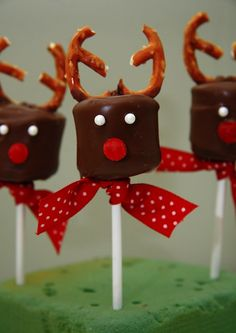 Chocolate dipped marshmallow and pretzel reindeer