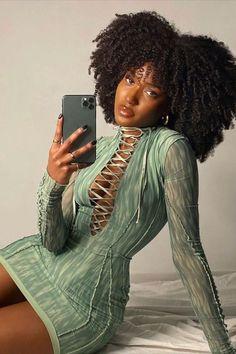Pretty Black Girls, Black Girl Art, Black Girl Fashion, Beautiful Black Women, Black Girl Magic, Queen Hair, Black Girl Aesthetic, Girl Photo Poses, Black Women Hairstyles