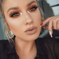SLAY! Warm bronze vibes by ✨@lolaliner✨! Love the glittery eyes, wispie lashes, & matte nude lips! Beautiful #inspo!❤️ Check out all of our popular lash styles today! SHOP: WWW.LUXY-LASH.COM Or click the link in our bio now!