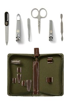 This travel set would make a great gift for Father's Day!