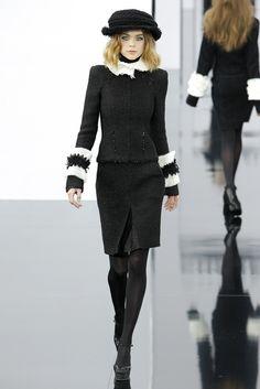 Chanel Fall 2009 Ready-to-Wear Fashion Show - Kim Noorda
