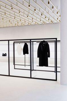 Jil Sander Berlin Store by Andrea Tognon Architecture. Jil Sander, Visual Merchandising, Store Concept, Retail Fixtures, Interior Minimalista, Retail Concepts, Mode Shop, Retail Interior, Retail Space