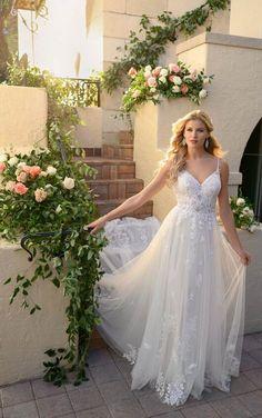 Lace Wedding Dress, Wedding Dress Shopping, Designer Wedding Dresses, Bridal Dresses, Wedding Gowns, Wedding Dresses Stella York, Wedding App, Tulle Wedding, Wedding Attire