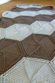 Ravelry: The Hexi-ghan Blanket, Very Busy Monkey. Seamless. Free Pattern - Thank you.