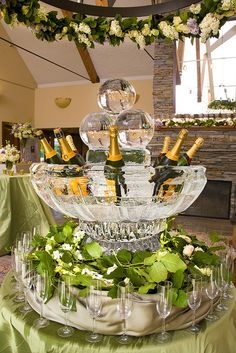 "champagne table LOVE THIS IDEA OF ""ICE"" BUBBLES FOR A CHAMPAGNE BOWL----WILL BE DOING SOON...."