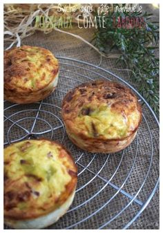 I have already offered you several quiche recipes without dough in a family version but this is a first in an individual version! Mini quiches cooked in … Healthy Low Carb Breakfast, Healthy Breakfast Casserole, Vegan Breakfast Recipes, Vegetarian Recipes, Mini Quiches, Breakfast Fruit Salad, Eat Breakfast, Mini Quiche Sans Pate, Healthy Breakfasts