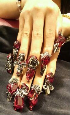 Elegant gothic gyaru nails