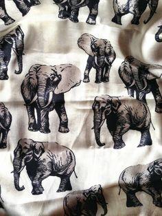 #outfit  #fashion #fashionblogger  #style  #accessories #bag #clutch #globetrotter #marakita#firenze #zebra #elephant #flowers #animalier #butterflies #parrot  #cool  #summer #trend #print #printtrend  #fashionblog #cool #coolhunting #ecoleather #ecofashion Marakita Elephant Globetrotter Bag - Stampa Elepante, borsa giramondo  pieghevole tessuto ecopelle, summer accessories, accessori estate, Be...