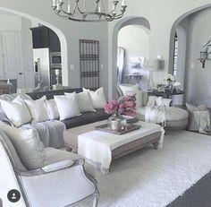 https://i.pinimg.com/236x/6f/91/9d/6f919d3af61ed79cc52116f9cfb75f28--home-living-living-rooms.jpg