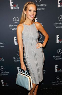 New York Fashion Week Fall 2014 Celebrity Handbags-21