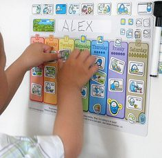 Idea for template design for a Toddler Weekly Calendar I would make this using wipe board paint and a cookie sheet. You could create and print the paper to paste on the magnets.