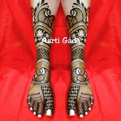 Bridal legs Peacock Mehndi Designs, Latest Bridal Mehndi Designs, Mehndi Designs 2018, Wedding Mehndi Designs, Unique Mehndi Designs, Beautiful Mehndi Design, Mehndi Patterns, Mehndi Designs For Hands, Leg Mehndi