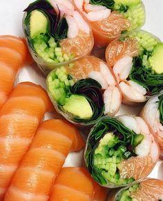 Monday sushi time, super salmon combo Pic taken by Astrid more sushi on www.makesushi.com Make Sushi http://ift.tt/2mH7eIx
