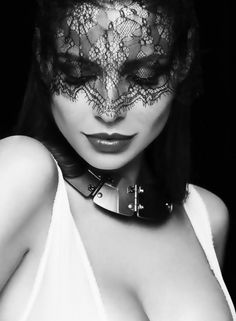 Beautiful colorful pictures and Gifs: Antifaz Foto Portrait, Portrait Photography, Fashion Photography, Sexy Photography, Beautiful Mask, Beautiful Women, Lace Mask, Sensual, Black And White Photography
