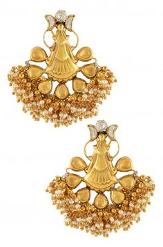 AMRAPALI.Silver Gold Plated Crystal Motif Pearl Cluster Earrings