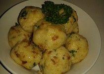 Strouhankové fofr knedlíky Dumpling Recipe, Dumplings, Czech Recipes, Ethnic Recipes, Cooking Recipes, Healthy Recipes, Gnocchi, Bread Crumbs, No Cook Meals