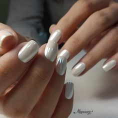 Wedding Nails Simple Shape Ideas For 2019 Hochzeitsnägel Einfache Form Ideen für 2019 Bride Nails, Wedding Nails, Hair Wedding, White Nail Designs, Nail Art Designs, Pearl Nails, Nail Effects, Holographic Nails, Square Nails
