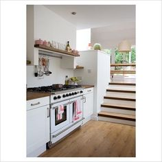 GAP Interiors - Modern split level kitchen diner - Picture library specialising in Interiors, Lifestyle Homes New Kitchen, Kitchen Dining, Split Level Kitchen, Foyers, Range Cooker, Cuisines Design, Beautiful Kitchens, Home Living Room, Modern Interior