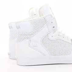 Some fresh white @suprafootwear #vaiders just landed. Crisp and clean just in time for #summer! Live >> SUPEREIGHT.NET #supra #suprafootwear #supraskate #supraskateboarding #skateboarding #shoes #sneakers #hightopsneakers #skateordie #freshwhites #supravaider #suprahightops #skateshoes #supereight