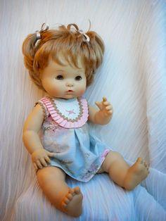 Modelos y patrones para Nenuco , por petición popular | Aprender manualidades es facilisimo.com Baby Born, Vintage Dolls, Beautiful Dolls, Baby Shower Decorations, American Girl, Baby Dolls, Doll Clothes, Sewing Patterns, Barbie