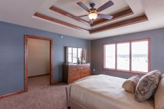 Beautiful trey ceiling in this home! 800 Pinnacle Path, Mankato MN