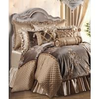 Elegant Bedding Set Design Ideas With Tuscan Style - Page 8 of 23 Luxury Bedding Collections, Luxury Bedding Sets, Modern Bedding, Queen Comforter Sets, Duvet Sets, Casa Magnolia, Bedroom Bed, Master Bedroom, Master Suite