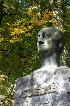Munich and Co: Un monument à Goethe surplombe le Walchensee sur l. Color Theory, Munich, Garden Sculpture, Colours, Statue, Art, Alps, Bavaria, Art Background