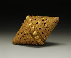 Africa | Bead from the Fulani people, Mali.| Gold filigree bead | ca. 19th to 20th century