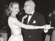 Grace Kelly dança com o príncipe Pierre de Polignac
