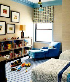seagrass walls, painted molding, roman shade = pretty perfect....via The Designer's Attic