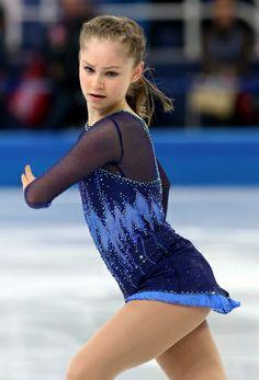 【フィギュアスケート】女子SPで演技するユリア・リプニツカヤ=ロシア・ソチのアイスベルク・パレスで2014年2月19日、貝塚太一撮影