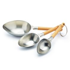 Baking is a science and an art. That's why measuring out your ingredients before baking is so important to avoid disaster! With a little help from Paul Hollywood, these easy-scoop stainless steel cups make it easier than ever to accurately measure out your cooking and baking ingredients.