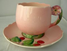 VINTAGE CARLTON WARE ART DECO PINK CUP & SAUCER FLOWER HANDLE AUSTRALIAN DESIGN in Pottery, Porcelain & Glass, Pottery, Carlton Ware | eBay Vintage Crockery, Antique Dishes, Vintage Cups, Vintage China, Pink Cups, Carlton Ware, Summer Berries, Rose Tea, Art Deco