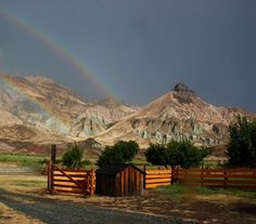 John Day Fossil Museum | John Day Fossil Beds National Monument, Oregon - View of Sheep Rock with a ...