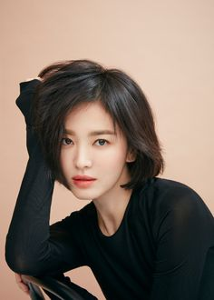 Song Hye Kyo, Song Joong Ki, Chic Black Outfits, Female Songs, Japanese Photography, Korean Actresses, Korean Celebrities, Sexy Asian Girls, Wow Products