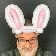 3 balloon bunny ear hat See other ideas and pictures from the category menu…. Faneks healthy and active life ideas Balloon Hat, Balloon Crafts, Balloon Arch, Balloon Decorations, Balloon Sword, Easy Balloon Animals, Ballon Animals, Twisting Balloons, Balloon Shapes