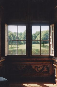 chateau de Vaux le Vicomte by cosmos+george Sash Windows, Windows And Doors, Ventana Windows, Chateau Hotel, Vaux Le Vicomte, Interior And Exterior, Interior Design, Window View, Through The Window