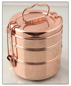 Discover more aboutkitchen colors retro Click the link to learn more. Lunch Box Containers, Metal Containers, Copper And Brass, Bronze, Tiffin Lunch Box, Tiffin Carrier, Indian Bedroom Decor, Snack Boxes Healthy, Dinner Box