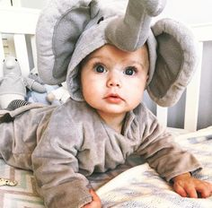 collection of funny and lovely images of children. You will see the innocent, innocent character of children. Children are angels who bring joy to the world Lil Baby, Baby Kind, Little Babies, Cute Babies, Baby Boy, Beautiful Children, Beautiful Babies, Baby Tumblr, Foto Baby