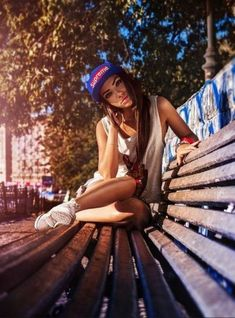 Fashion Photography Poses Portraits Senior Pics 34 New Ideas – Fashion Models Fashion Photography Poses, Urban Photography, Photography Women, Lifestyle Photography, Street Photography, Portrait Photography, Photography Ideas, Photography Books, Photography Classes