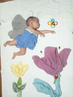 sleeping baby...cute!! @wondernunothcさんの寝相アート - Togetter
