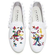 Joshua Sanders - Rainbow Embroidery Pom Pom Flats (940 BRL) ❤ liked on Polyvore featuring shoes, flats, flat heel shoes, flat pump shoes, embroidered flat shoes, pom pom shoes and embroidered flats