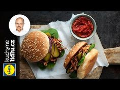 Trhané vepřové maso v hamburgerové housce - Roman Paulus - RECEPTY KUCHYNĚ LIDLU - YouTube Hot Dog Buns, Hot Dogs, Lidl, Cheesesteak, Barbecue, Hamburger, Bread, Dinner, Ethnic Recipes