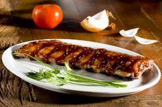 A costelinha de porco com molho barbecue tornou-se uma pedida popular em restaurantes, principalmente no outback, estabelecimento mais pedido para novos empreendimentos (como o Shopping Estação Cuiabá) na capital mato-grossense. ...