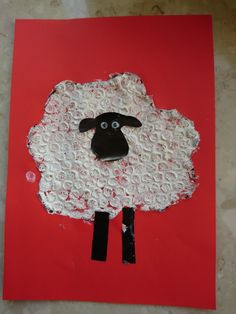 Baranek Shaun owieczka z folii bąbelkowej DIY ART ACTIVITIES FOR KIDS