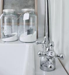 Laundry Storage Jars Ideas For 2019 Diy Storage Bed, Home Office Storage, Ikea Storage, Laundry Storage, Laundry Tips, Vintage Bathroom Decor, Vintage Bathrooms, Dream Bathrooms, Bathroom Ideas