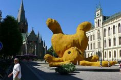 Lobe this idea.  From http://inhabitat.com/big-yellow-bunny-made-from-local-swedish-materials-is-easily-the-size-of-a-building/big-yellow-rabbit-florentijn-hofman-2/?extend=1