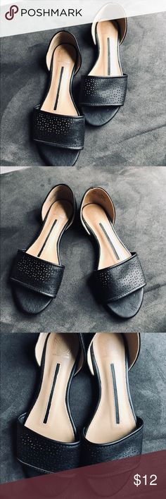 """c5253d32e9b52f ND Open Toe Flat Sandal size New Directions Black Open toed flats Sandals  """"Adriana"""" Size Worn Once- Excellent Condition New Directions Shoes Flats    Loafers"""