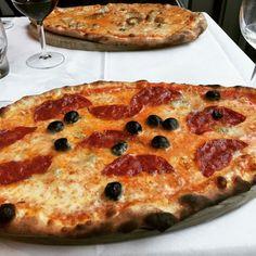 April 24 2016 at 05:37PM   Die Pizza bei La Cucina (Kasernenstrasse) war verdammt lecker. Das Restaurant mit ist erst vor kurzem eingezogen.  #pizza#pasta#lacucina#zürich#zurich#switzerland#food#italianfood#jedzenie#salami#restaurant#lunch#dinner#oliven#caprese #localgastro #localina