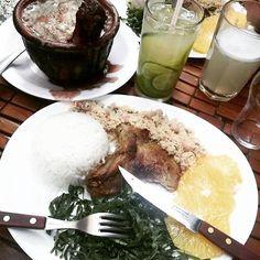 Sabadão pé na jaca. #feijuca #feijoada Brazilian national passion, our tradicional Feijoda with caipirinha(our cachaça drink) #brazil #caipirinha #gourmet #instagourmet #sábado #restaurantesp #feijão #moema #food #instafood #braziliantravelblogger